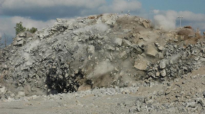 Rock Blasting Breaking and Mining Methods